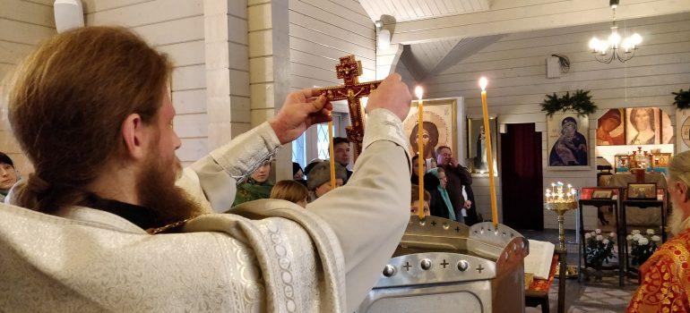 В деревянном храме Святых Царственных Страстотерпцев впервые был совершен чин Великого освящения воды