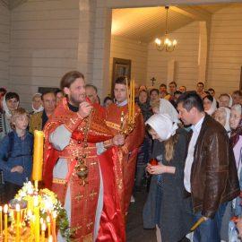 Первая Пасха в малом храме Царственных мучеников