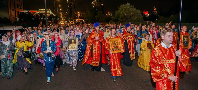 Крестный ход в столетие со дня мученической кончины Царской Семьи