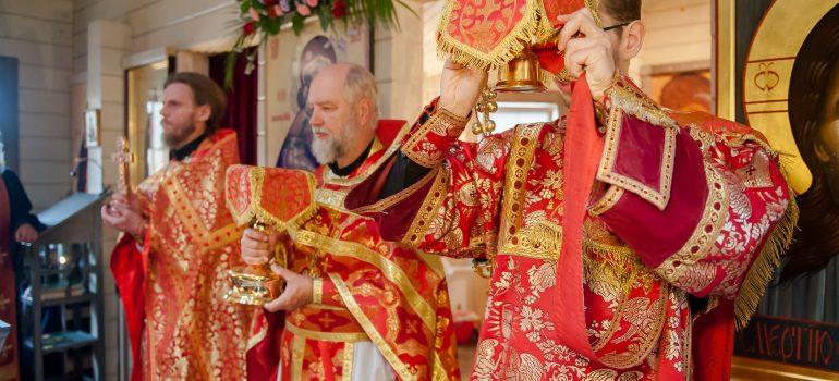 Праздничное богослужение в день памяти Царственных мучеников